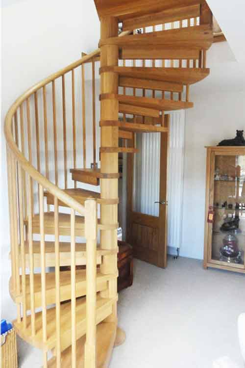 Oak-Spiral-Staircase-Highlands