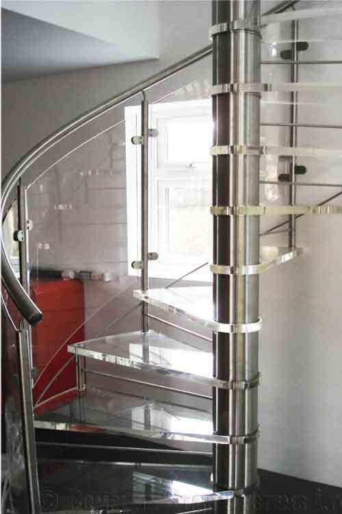 Acrylic-Tread-Spiral-Stair-Romsey
