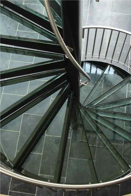 Glass-Tread-Spiral-Stair-Essex