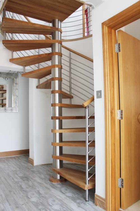 Oak-Spiral-Stair-Hamble