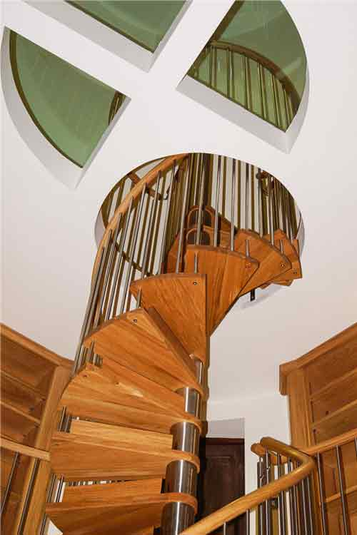 Oak-Spiral-Staircase-East-Sussex