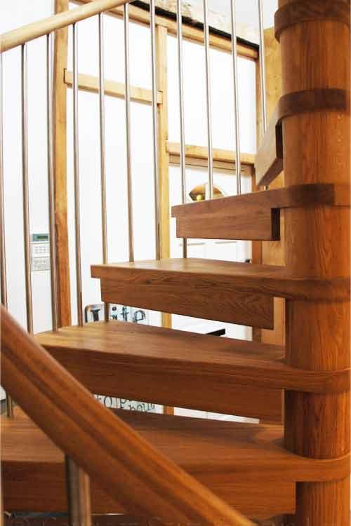 Oak-Spiral-Staircase-Romsey