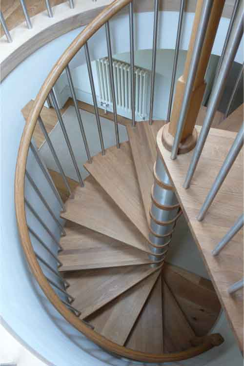 Oak-Spiral-Staircase-Shaftesbury