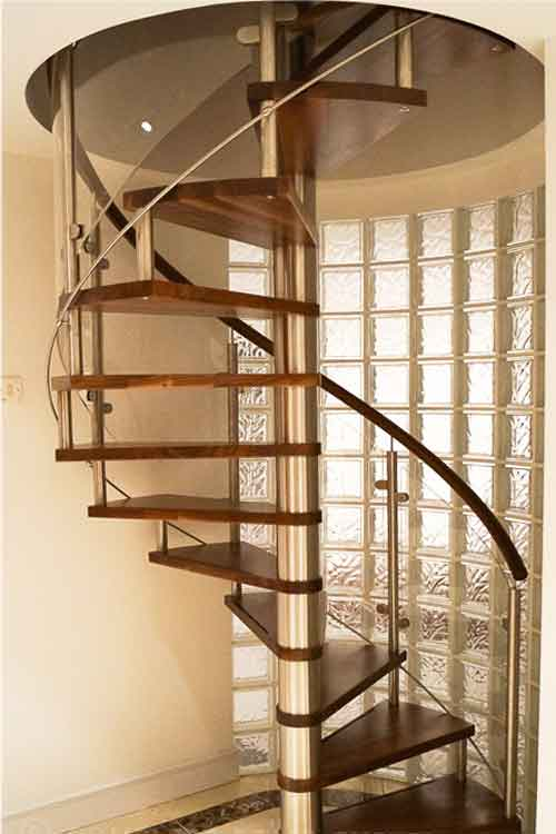 Walnut-Spiral-Staircase-Whitechapel